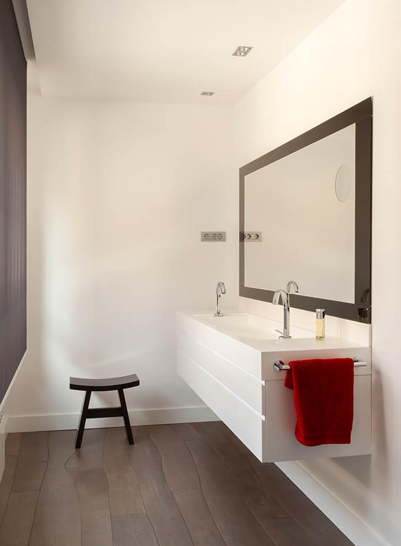10.-Lavabo bano principal diseno mueble y lavabo